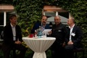 Ankündigung der kulinarischen Genüsse: Hans-Jürgen Herr (Weber-Stephan), Johann Lafer, Grillmeister, Jens Plachetka (H.J. Heinz)