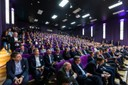 Ein gut gefülltes Auditorium